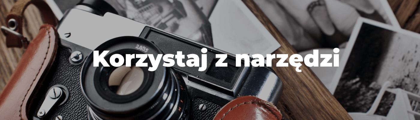 Aparat fotograficzny napis korzystaj z narzędzi